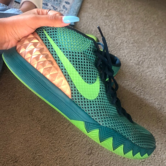 Men's size 13 Kyrie Irving basketball shoes